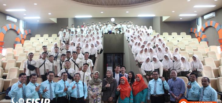 Murid-Murid SMA Al-Kautsar Bandar Lampung Antusias Kunjungi FISIP UB